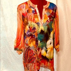 Multicolor all over print high low uneven hem top